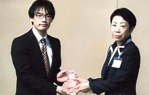 卒業生の野中さん、高橋さんが「足立区創業プランコンテスト」にて受賞